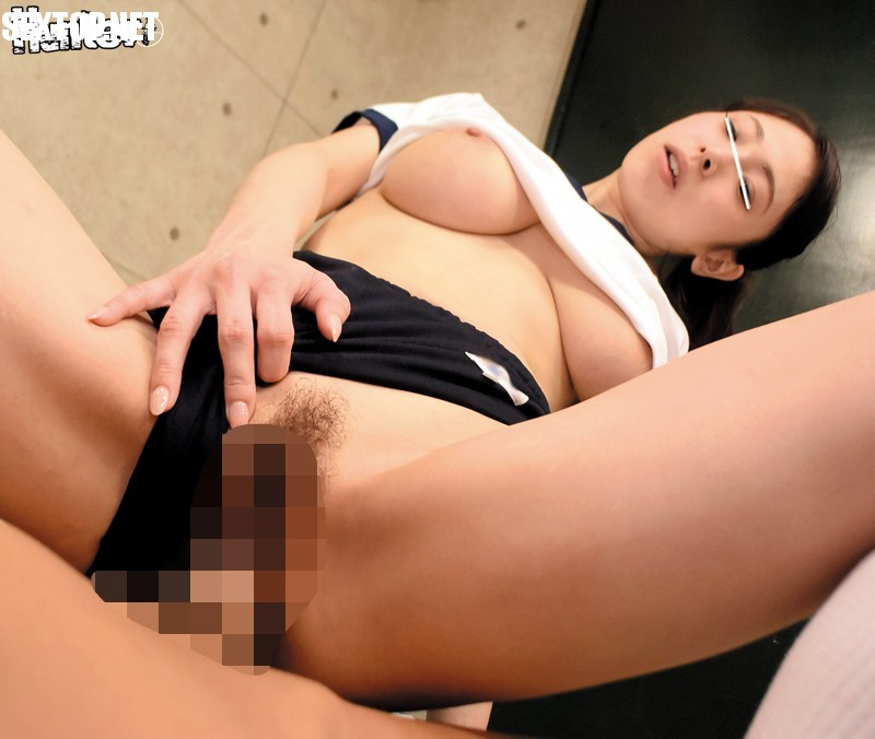 HUNTA-202 Young Wife Night Time Students 12