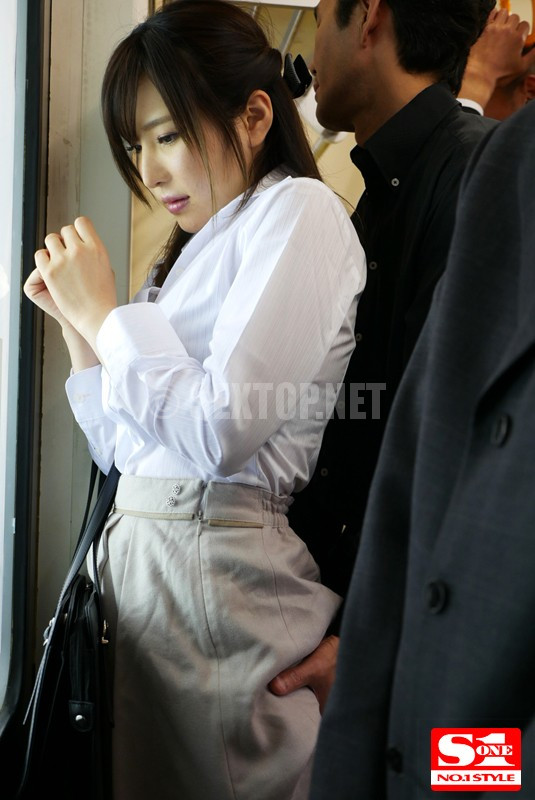 snis 977 aoi molested everyday in car 9